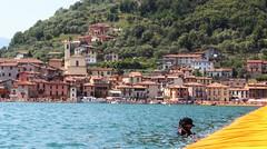 Manutenzione (Bi_photo) Tags: man manutenzione passerella christo italia italy lake iseo sulzano thefloatingpiers