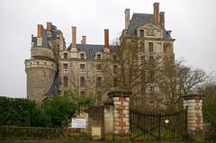 Brissac-Quincé (Maine-et-Loire) (sybarite48) Tags: france castle castelo castello château kale 城 castillo burg kasteel maineetloire zamek 城堡 замок κάστρο قلعة brissacquincé