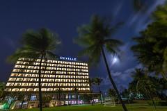 DEVILLE's full moon (ivgmarc) Tags: nikon d4 1635f4 hotel palmeras luna llena full moon deville nocturna nightshoot palm tree brasil brazil salvador baha