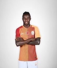 Bruma (l3o_) Tags: galatasaray sar krmz red yellow forma jersey football futbol bruma