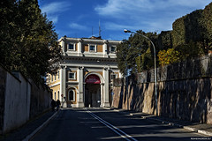 "Porta di San Pancrazio • <a style=""font-size:0.8em;"" href=""http://www.flickr.com/photos/89679026@N00/16566153549/"" target=""_blank"">View on Flickr</a>"