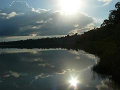 Laguna de Lachua, Guatemala, Alta Verapaz (oscaralfonso153) Tags: naturaleza guatemala paz espejo laguna calma tranquilidad lachua lagunadelachua espejodelcielo