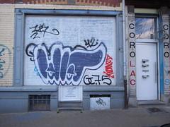 Idiot (Anne Robertz) Tags: brussels streetart graffiti idiot bruxelles brussel