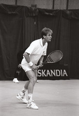 Anders Jarryd 1991-10-22 (Michael Erhardsson) Tags: open stockholm atp tennis 1991 historia 1990s anders globen fotografi scannat svartvitt atptour 90talet idrottshistoria 1990talet jrryd 19911022