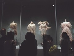 Fashion in an Age of Technology (White-Shadows) Tags: new york pink people beauty fashion contrast technology dress gente moda culture rosa an clothes exposition age contraste museo met gala ropa cultura vestido belleza exposicion musseum