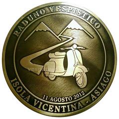 2012 Asiago (Un mondo di placche Vespa) Tags: vespa badge asiago 2012 isola raduno vicentina