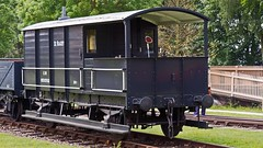GWR TOAD (JOHN BRACE) Tags: black centre railway toad brake van seen didcot gwr livery 20t 950592