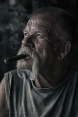p e T e r (Freddersen FF) Tags: portrait people man men oldstyle head smoke headshot menschen smoking mann zigarre oldmen rauch mensch kopf 2016 qualm charakter peterwinter nikond4 groitzsch charakterportrait nikkor85mm14g