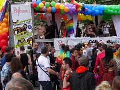 Gibus (Jeanne Menjoulet) Tags: marchedesfiertés lgbt paris 2juillet2016 lesbiangaypride gay lesbiennes bi trans gaypride pride gibus lbgt