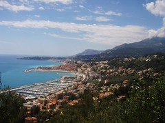 La Route du Super Garavan - Menton (06) (3D-Stretch) Tags: road alpes french scenery mediterranean riviera italia outdoor francaise border scenic super cte paca route cote 06 italie frontier azur maritimes menton dazur mditerrane alpesmaritimes pitoresque franaise frontire provencealpesctedazur garavan