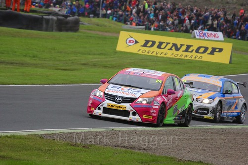 Rob Collard and Jake Hill in BTCC race one at Knockhill Weekend 2016