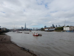 Thames view from Rotherhithe (upriver) at low tide (John Steedman) Tags: london uk unitedkingdom england   greatbritain grandebretagne grossbritannien       thames themse thamise river rotherhithe