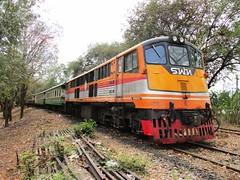 4041 at Nam Tok CS. (Barang Shkoot) Tags: station waterfall engine railway coco locomotive cummins lok namtok 4041
