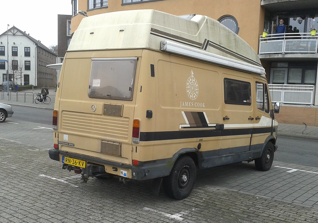 The world 39 s best photos of 309d and camper flickr hive mind for Camper mercedes