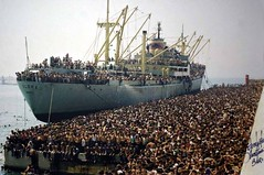 The Vlora, the first Albanian ship to reach Italy after the fall of communism in Albania. It brought more than 20.000 persons to Bari, Italy, 1991 [4130x2743] #HistoryPorn #history #retro http://ift.tt/1TFvCV4 (Histolines) Tags: italy history fall ship first it retro communism more than timeline brought after 1991 reach persons albanian albania bari 20000 the vlora vinatage historyporn histolines 4130x2743 httpifttt1tfvcv4