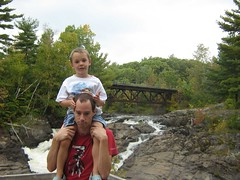 22 Septembre 2007 - 71 - Epaules (Patrick Limoges) Tags: waterfall quebec