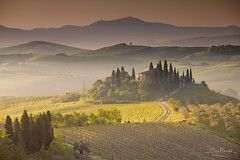 Podere Belvedere, Val d'Orcia - Tuscany (Italy) (Eric Rousset) Tags: voyage travel italy house nature fog sunrise canon landscape photography italian europe italia village unesco valley tuscany cypress toscana valdorcia paysage toscane vignoble canonef1740mmf4lusm italie brume tourisme nisi 2016 sanquirico canoneos5dmarkii ericrousset poderebelvedere filtrenisifstopperirgnd809100x150mm3stops nisicircularpolariser
