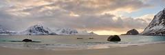 Coucher de soleil sur la plage d'Aukland #3 [ les Lofoten ~ Norvge ] (emvri85) Tags: winter sunset snow mountains norway zeiss 50mm assemblage hiver neige lofoten coucherdesoleil montagnes panoramique norvge nordland leefilters auklandbeach