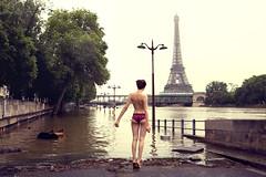 L'inconnue  la petite culotte (Alice Dardun) Tags: woman paris seine panties nude back tour nu femme eiffeltower panty eiffel lingerie dos unknown crue culotte inconnue