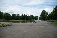 IMGP2247.jpg (Zeilenende) Tags: see wasser stuttgart teich schlossgarten fontne