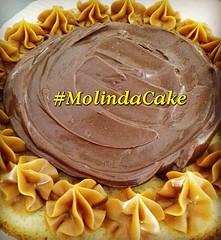 Boa semana à tds!!! 😋🍰🍫❤🎂 #molindacake #cakedesign #cake #cakedecorating #sweet #bolo #candy #sobremesa #party #nutella #docedeleite #recheio #instacake #instafood #instacandy #chocolate #brigadeiro #delicious (Molinda Cake) Tags: boss cake pasta americana bolo bolos confeitados molinda