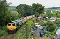 Freightliner 66615-66622 @ Buxton (Sicco Dierdorp) Tags: stone forest buxton branch district shed peak ludlow freightliner class66 frl dowlow tunstead steentrein