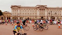 Palace Procession (dhcomet) Tags: london ride freecycle buckingham palace sport ridelondon