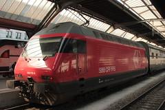SBB Lokomotive Re 460 115 - 1 mit Taufname Heidiland ( Hersteller SLM Nr. 5682 - ABB => Inbetriebnahme 1995 ) am Bahnhof Zrich HB im Kanton Zrich der Schweiz (chrchr_75) Tags: chriguhurnibluemailch christoph hurni schweiz suisse switzerland svizzera suissa swiss chrchr chrchr75 chrigu chriguhurni 1503 mrz 2015 hurni150319 bahn eisenbahn schweizer bahnen train treno zug albumzzz201503mrz albumbahnenderschweiz albumbahnenderschweiz201516 re460 re 460 albumsbbre460 sbb cff ffs schweizerische bundesbahn bundesbahnen lok lokomotive juna zoug trainen tog tren   locomotora lokomotiv locomotief locomotiva locomotive railway rautatie chemin de fer ferrovia  spoorweg  centralstation ferroviaria