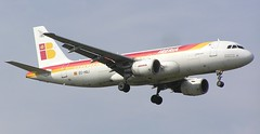 EC-HQJ. Iberia Airbus A.320-214 (Ayronautica) Tags: 2005 heathrow aviation september airbus airliners a320 iberia egll echqj ayronautica