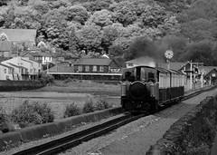 FR 22906bwcr (kgvuk) Tags: trains railways locomotives ffestiniograilway steamlocomotive ffr davidlloydgeorge thecob doublefairlie 0440t