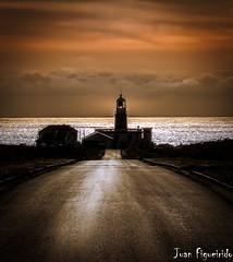 Faro de Corrubedo (Juan Figueirido) Tags: road sunset costa seascape path radearousa galicia puestadesol ribeira goldenhour acorua barbanza corrubedo farodecorrubedo fz150 santauxaderibeira corrubedolighthouse panasonicfz150 juanfigueirido