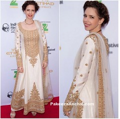 Kalki Koelchin in Long Straight Suit by Rimple and Harpreet Narula (shaf_prince) Tags: longdress bollywoodactress designerwear celebritydresses bollywoodsalwarkameez indianfashiondesigners celebritysalwarkameez bollywooddesignerdresses actressinwhitedresses longstraightsuit kalkikoelchin