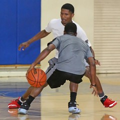 D153014S (RobHelfman) Tags: sports basketball losangeles highschool crenshaw openrun