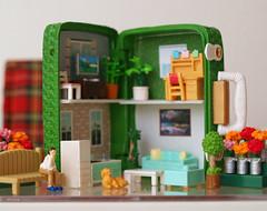 Suitcase Dollhouse (Minit) Tags: suitcase dollhouse miniature rement