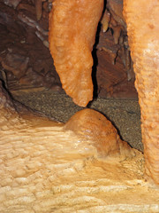 Travertine dripstone (Shenandoah Caverns, Quicksburg, Virginia, USA) 7 (James St. John) Tags: shenandoah caverns cave caves quicksburg county virginia conococheague formation upper cambrian carbonate carbonates travertine dripstone stalactite stalactites column columns stalagmite stalagmites