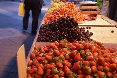 (shirmor) Tags: city trip red summer food fruits evening cherries yum market strawberries grape trippin
