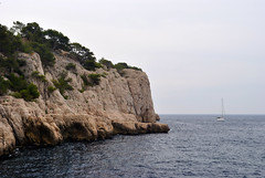 Marseille (makingacross) Tags: nikon marseille calanques water cliffs cote dazur parc national valleys massifdescalanques boat blue azure cotedazur trees