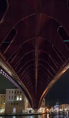 Ponte della Costituzione, Venezia (jacqueline.poggi) Tags: bridge venice italy architecture italia footbridge ponte architect pont venise venezia architettura italie santiagocalatrava architecte passerelle contemporaryarchitecture architecturecontemporaine pontedellacostituzione sestieredisantacroce