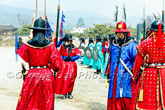 Royal Guard Inspection Ceremony, Gyeongbokgung Palace, Seoul, South Korea (George Oze) Tags: travel horizontal architecture square landscape outdoors gate colorful asia inspection landmark courtyard tourists historic seoul tradition southkorea royalpalace modernbuilding traditionalarchitecture ceremonial historicbuildings royalguards joseondynasty gyeongbokgungpalace capitalcities changeofguards traditionalcostumes unescoworldculturalheritagesite koreanpeninsula buildingexteriors mordernarchitecture