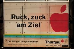 Werbung Ruck, zuck am Ziel am Thurbo => Die Regionalbahn ( SBB ) GTW RABe 2/6 526 701 - 8 mit Taufname Kanton Thurgau  am Bahnhof St. Gallen im Kanton St. Gallen in der Schweiz (chrchr_75) Tags: chriguhurnibluemailch christoph hurni schweiz suisse switzerland svizzera suissa swiss chrchr chrchr75 chrigu chriughurni mrz 2015 chriguhurni albumbahnenderschweiz albumbahnenderschweiz201516 schweizer bahnen eisenbahn bahn train treno zug albumzzz201503mrz albumbahnthurbo thurbo regionalbahn tralin juna zoug trainen tog tren  lokomotive  locomotora lok lokomotiv locomotief locomotiva locomotive railway rautatie chemin de fer ferrovia  spoorweg  centralstation ferroviaria