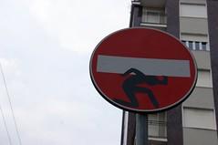 (super_chiarina) Tags: city italy milan italia milano roadsign cartello città divieto