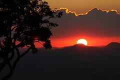 Sol se pe no Pedro (Vinicius Montgomery) Tags: sol de do minas maria da montgomery vincius prof por sul f pedro itajub pedralva