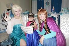 Personagens Vivos - Elsa e Anna (Frozen) (valpersonagens) Tags: riodejaneiro frozen festadeaniversrio festainfantil brancadeneve alicenopasdasmaravilhas festadecriana personagensvivos personagemvivo festadeprincesa