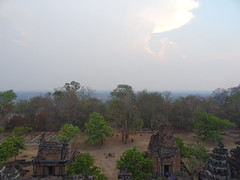 DSC01228 (LeeZhenYu) Tags: cambodia siemreap angkor phnombakheng phnom bakheng