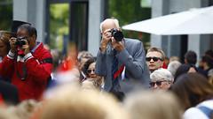 17. mai 2016 (Rune Lind) Tags: oslo norway norge day mai national independent 17 mann tar 17mai menn bilde 2016 nasjonaldag nasjonaldagen barnetog fotograferer 17maifeiring norgesnasjonaldag 17mai2016 norgesbursdag