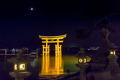Itsukushima Torii (andrew hayman1) Tags: japan gate great moonlight torii itsukushima