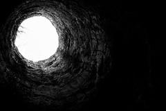 Lejos del cielo. (Lautaro Marhetti) Tags: light sky bw contraluz hole bn cielo contraste bnw chimenea calera luzagujero