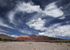 Cerro colorado (Gdemiceu) Tags: jujuy argentina nature naturaleza rocks rocas montaas mountains noa sky cielo nubes clouds paisaje landscape paysage 50faves