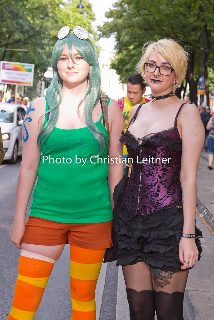 Lesbian nudeparty Nude Photos
