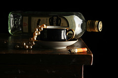 Whisky and Pearls (Studio d'Xavier) Tags: stilllife cup pearls blackandwhiteincolor strobist werehere irishwhisky